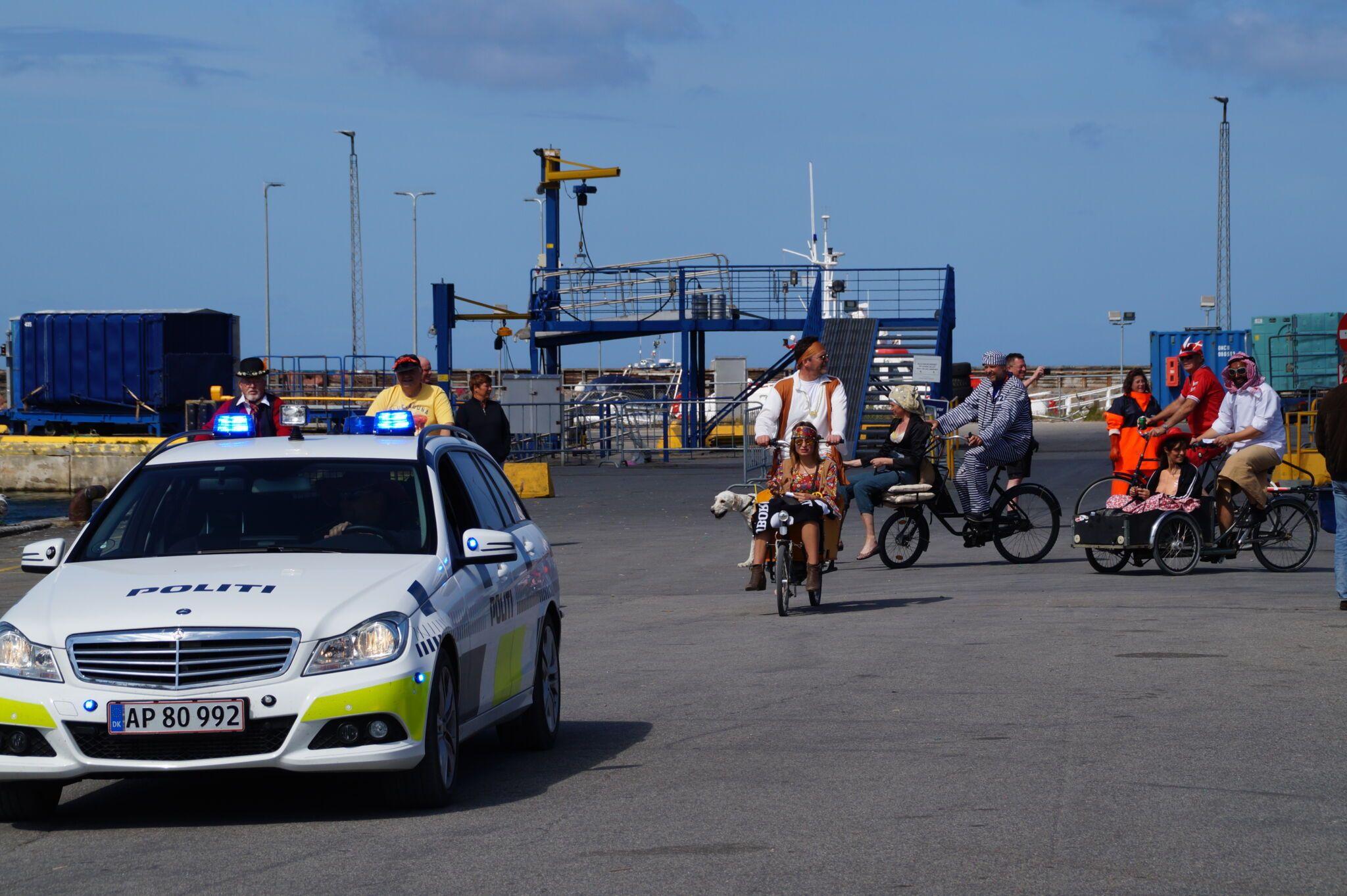 politibil på anholt